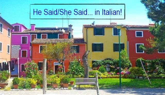"""Case colorate a Burano, Italia con una panchina da giardino dove le persone possono discutere di cosa """"Egli ha detto"""" E il """"Lei disse"""" In italiano!"""